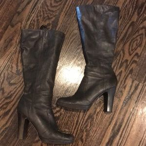 High heeled dark brown boots
